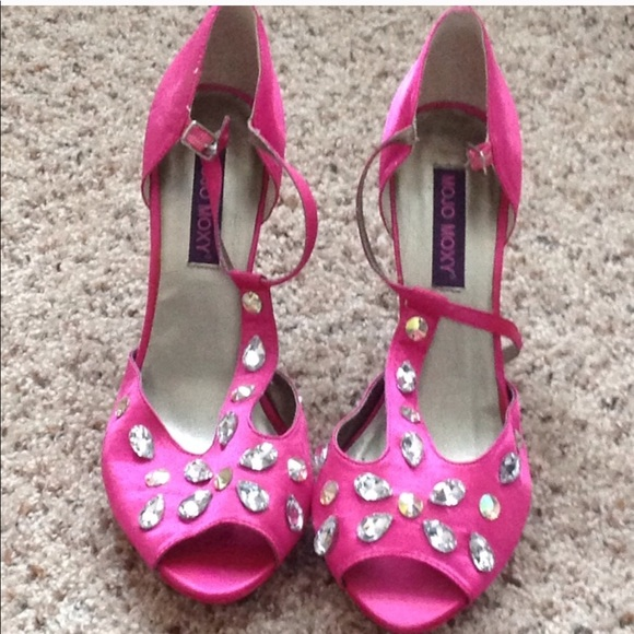 599df2df431 Satin Pink rhinestone rockstud platform high heels NWT